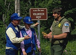 Volunteer hosts with ranger